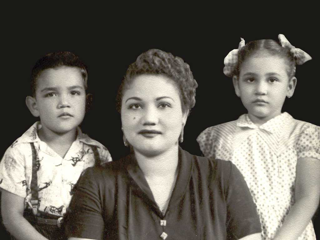 Fernando, Socorro & Lydia 1954