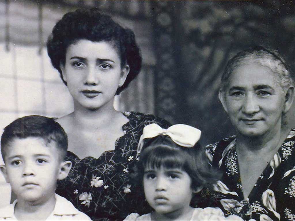 Alberto, Leonor, Maritza, Manuela 1954